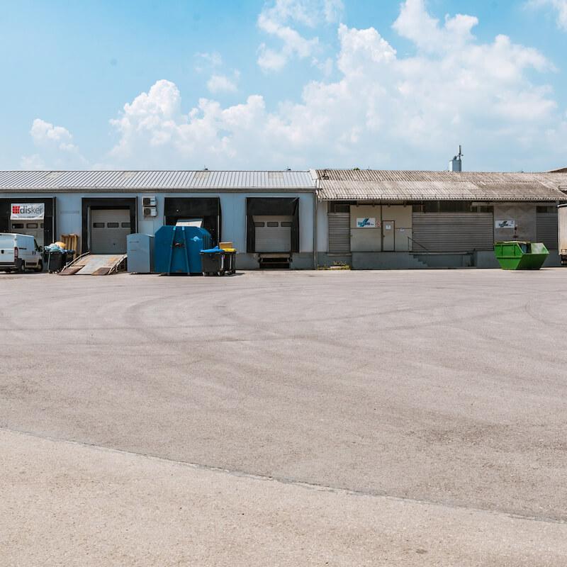 Tovorni dostop, skladišča